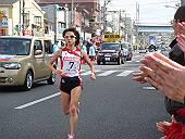 トップを快走する木崎選手